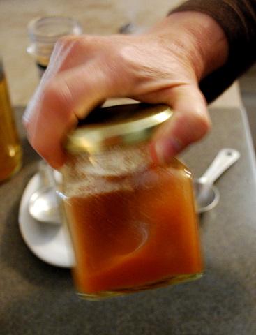 Combate dolor de garganta, tos seca, congestión apretada con este poderoso remedio casero